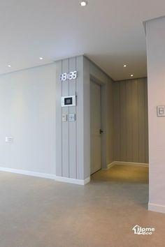 거실 확장과 웨인스코팅 포인트로 시공된 대전 문화동 센트럴파크 30평대 아파트 거실 인테리어 제안안녕하...
