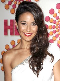 Emmanuelle Chriqui Hairstyles - September 18, 2011 - DailyMakeover.com