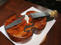 nashville groom cake fun 3d violin bass, nashville groom cake fun 3d, boat, @signatureeventsbyvicki, #nashvillewedding, #nashvillecake