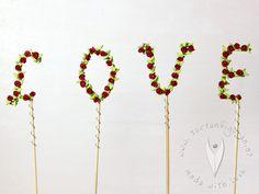 Love Topper Stick als Tortendeko oder als Deko für Cupcakes, Muffins oder für den Sweettable - Hochzeitstorte - Hochzeit - Hochzeitstortendeko - Hochzeitsidee Muffins, Cupcakes, Wedding, Wedding Pie Table, Casamento, Cupcake, Muffin, Weddings, Cupcake Cakes