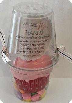 cupcake handout