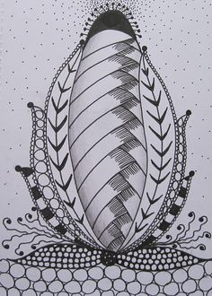 "And the final design on the page is this one. After which Tracey says: ""I aim to make my ZIA'a a part of my daily life (well I always have good intentions)."" I'm assuming that ZIA stands for Zentangle-inspired Art. There are lots of examples of this on Flickr."