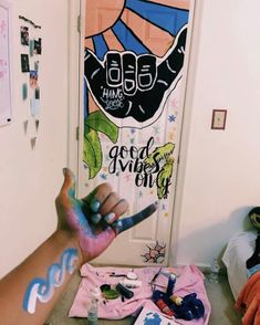 37 Dorm Room Inspiration Decor Ideas For College ⋆ aviatech.xyz 37 Dorm Room Inspiration Decor Ideas For College ⋆ aviatech. My New Room, My Room, Room Decor For Teen Girls, Diy Room Decor For College, Aesthetic Rooms, Aesthetic Painting, Room Goals, Painted Doors, Painted Bedroom Doors