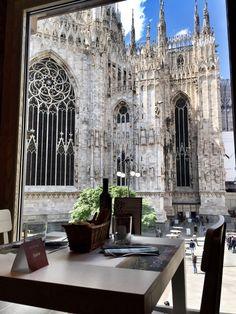 eccellenze-italiane:      Pranzare a Milano        My shot  …and so, we softly edge into lunch time…