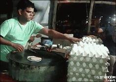 Tachán!La comida india es mágica, huevos tan frescos que salen...