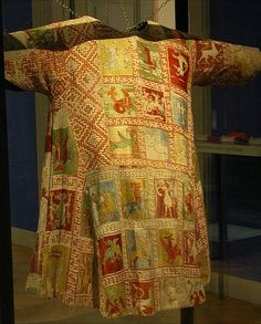 Dalmatic of the Goss Vestments,13th century, The piece is worked in a variety of stitches, including brick stitch, what appears to be a form of counted stem stitch and long-armed cross stitch. Designs include the Annunciation, quadrapeds, birds and mythical beasts.