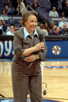 First African American female billionaire. Sheila Johnson is an African American entrepreneur who co-founded Black Entertainment Television (BET) and is part-owner of the three sports teams in the NHL, NBA and the WNBA.