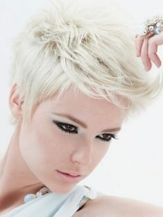Google Image Result for http://static.becomegorgeous.com/img/arts/2011/Sep/19/5378/dylans_haarmode_hair_style_thumb.jpg