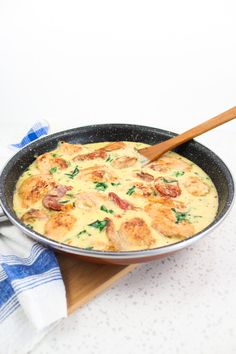 This Creamy Sun Dried Tomato Chicken is a super easy, tasty, ones-skillet recipe. #creamychicken #sundriedtomatoes #easyrecipes #realfood #dinner #dinnerideas #dinnerrecipes #lunch #lunchideas #spinach #foodoftheday   whowilldothedishesTotal success that will make you really popular with your people.