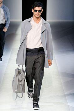 Sfilata Emporio Armani Milano Moda Uomo Primavera Estate 2014 - Vogue