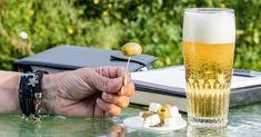 6 Beneficios de la dieta de la cerveza para adelgazar Alcohol, Job Opening, Just Giving, Tutorial, Something To Do, Mugs, Tableware, Glass, Finance