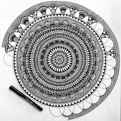 Design pattern drawing tattoos 25 ideas for 2019 Mandalas Painting, Mandala Artwork, Mandalas Drawing, Zentangle Drawings, Art Drawings Sketches, Easy Drawings, Zentangles, Mandala Sketch, Mandala Doodle