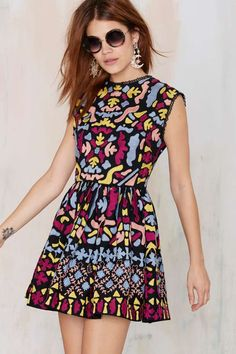 Nasty Gal Dream Weaver Hand-Embroidered Dress will break hearts with chunky heels and oversized shades.