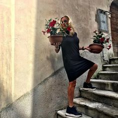 Oggi GIMFLOWERS!!! 🌺🌺🌺💃💃💃 🤣🤣🤣#orgogliodiessereitaliano #italyintheworld #fashion #styles #gimflowers #stylish #model #glam #glamour #outfit #ootd #instagood #instafashion #shopping #today #tagsforlikes #todayimwearing #mylook #fashionista #instastyle #fashiongram #beautiful #accessories #swag #cute #confezionimontibeller #borgovalsugana #trentino #livelovevalsugana