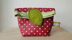 Rot Weiß gepunktete Kulturtasche // red white dotted washbag by morgen ist gestern heute via DaWanda.com