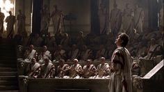 Roma (HBO) retrata el paso de la República romana al Imperio. La primera temporada va de la victoria de Julio César sobre los galos (52 a. C.) hasta su asesinato (44 a. C.). La segunda refleja la lucha entre Octavio y Marco Antonio hasta el 31 a. C. con el nombramiento de Octavio Augusto como Emperador.