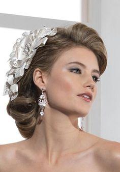 Bridal hair accessory