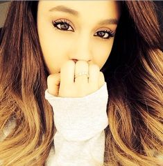 Ariana Grande Looks Sweet as a Button - The Week's Most Stylish Celeb Instagrams: February 03, 2014 - StyleBistro