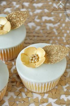 Gold Flower Cupcakes