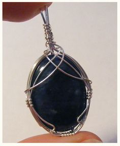 Learn to wrap a cabochon with this tutorial from jewellerytutorials.org