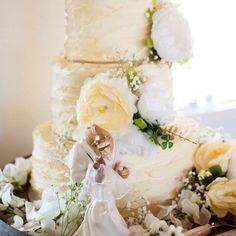 Lemon drizzle with honey lemon buttercream wedding cake