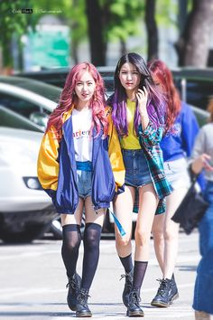 dedicated to female kpop idols. Kpop Fashion, Daily Fashion, Korean Fashion, Hijab Fashion, Girl Fashion, Kpop Girl Groups, Kpop Girls, Sinb Gfriend, Fandom