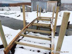 Bridges Ideas - How to build a Arched Bridge for Pond - Garden Bridges. #bridges #pond  ------ See how to build it: http://www.usa-gardening.com/bridge/pond-bridge.html