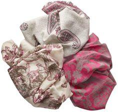 I rinomati tessuti #Schumacher&Co distribuiti in Italia da #Agena ci fanno pensare già alla primavera.