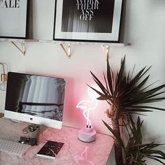 Neon #workspacegoals + regram from @evelina in the USA ⚡⚡⚡ Ending the working week with a neon glow from the workspace of Evelina. How cool is the flamingo light!!! Such a fun touch + a nice reminder to always shine bright ✨✨✨ Thanks Evelina for bringing some Friday fun PS. We love the marble shelves too