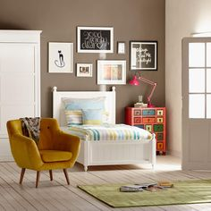 wohnzimmer blau gelb skandinavischer einrichtungsstil holz ... - Wohnzimmer Blau Gelb
