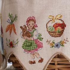 Cross Stitch House, Cross Stitch Kitchen, Cross Stitch For Kids, Cross Stitch Charts, Cross Stitch Patterns, Cross Stitching, Cross Stitch Embroidery, Stitches Wow, Easter Cross