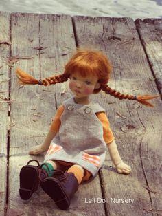 Pilar - Pippi inspired art doll :: Dollectable In-stock Store Softies, Pippi Longstocking, Little Doll, Waldorf Dolls, Soft Dolls, Soft Sculpture, Diy Doll, Beautiful Dolls, Needle Felting