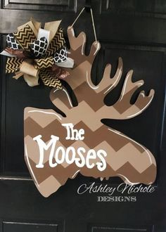 This funky fun whimsical piece would be a great addition to your country home, barn or workplace! Initial or name can be added! Made from thick wood. Painted with outdoor paint. Painted on the back for a polished look. 24 tall x 24 wide Door Crafts, Wooden Crafts, Wooden Diy, Wooden Signs, Fall Door Hangers, Wooden Door Hangers, Moose Lodge, Outdoor Paint, Lodge Decor