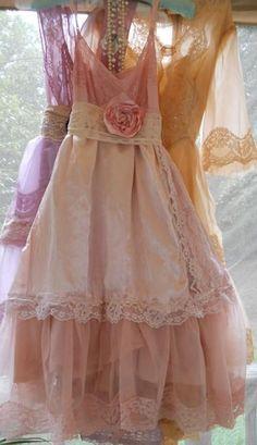 Pretty Vintage Bridesmaids dresses