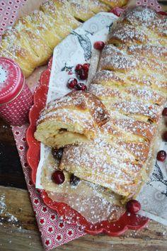 zopf18 Bon Appetit, French Toast, Breakfast, Ethnic Recipes, Food, Apple Cakes, Merlin, Danish Cake, Bakken