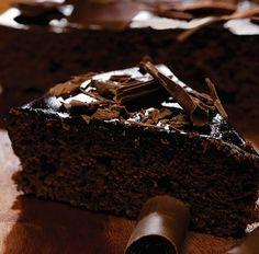 Aprenda a fazer um delicioso bolo Nega Maluca usando Alfarroba no lugar do chocolate! A Alfarroba é sem glúten, sem lactose e sem açúcar!