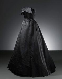 """Noche"" Evening Dress, Cristóbal Balenciaga: 1951, bias-cut satin skirt, bodice lined in silk crepe."