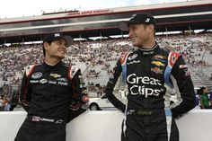 Kasey Kahne and Kyle Larson racing in January Showdown - http://www.pitstoppost.com/kasey-kahne-and-kyle-larson-racing-in-january-showdown/