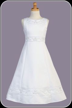 Elegant White A-Line Girls Communion Dress w. Pearl Floral Detailing (Plus Size)