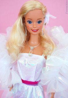 Barbie Crystal 1984 Barbie 80s, Barbie Style, Barbie World, Barbie And Ken, Vintage Barbie, Vintage Toys, Beautiful Barbie Dolls, Pretty Dolls, Plane Crafts