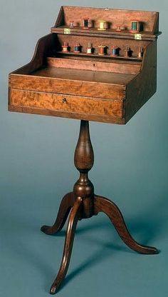Shaker Deaconesses sewing desk, probably Union Village, Ohio, circa 1840 Sewing Desk, Sewing Cabinet, My Sewing Room, Sewing Table, Sewing Rooms, Shaker Furniture, Art Furniture, Vintage Furniture, Vintage Sewing Notions