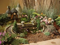 Garten Dekoration ideen 35 The most magical Fairy Village Garden ideas you should create Indoor Mini Garden, Mini Fairy Garden, Fairy Garden Houses, Gnome Garden, Garden Pots, Container Fairy Garden, Container Gardening, Indoor Outdoor, Fairy Gardening