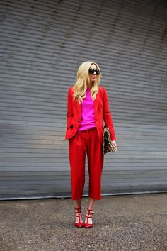 A red suit from Club Monaco with a pop of pink // Valentino shoes // Click through for more red outfit inspiration on Atlantic-Pacific Fashion Mode, Look Fashion, Womens Fashion, Street Fashion, Fashion News, Fashion Shoes, Girl Fashion, Red Suit, Pink Suit