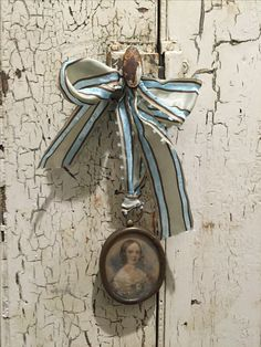 sweet old miniature portrait Bijoux Shabby Chic, Shabby Chic Style, French Country House, French Country Decorating, Country Life, Miniature Portraits, White Chic, Lavender Blue, French Blue