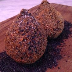 Glutenfree Black rice Arancini with Goat cheese and pears #goatcheese #cheese #blackrice #glutenfree #eggs #healthy #healthyfood #verger #vergerfood #catering #cristianovergerchef #cristianoverger #food #foodporn #fried #landscape #photo #picoftheday #eggs