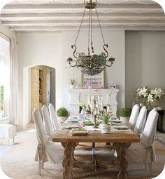 Formal dining with a relaxing & comfortable feel to it.