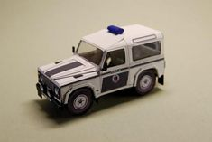 Simple Land Rover Defender 90 Free Vehicle Paper Model Download