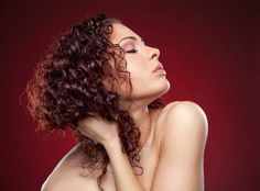 cabelos crespos com condicionador