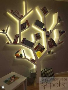 Tree Bookshelf, Bookshelf Design, Tree Shelf, Book Shelves, Home Decor Furniture, Diy Home Decor, Rustic Furniture, Furniture Projects, Furniture Design