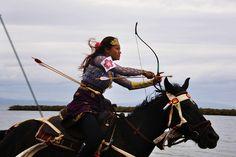 美しすぎる日本の伝統儀式「流鏑馬 (やぶさめ)」陰陽道で宇宙と呼応する画像 26選